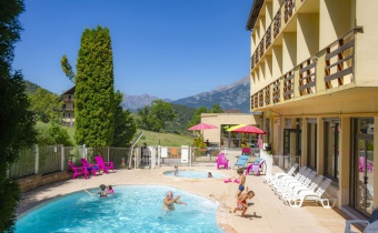 <p><strong>15% off the full board weekly stay from 24 to 31/08</strong></p>